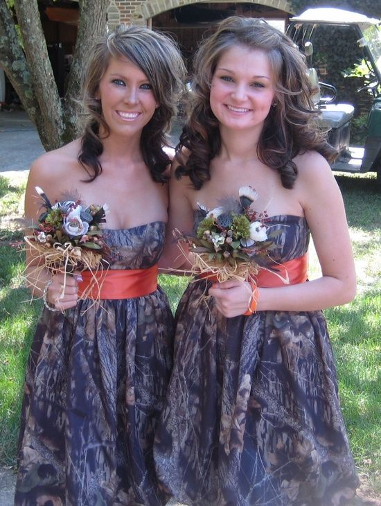 Camo Wedding Bridesmaid Dresses | Camouflage bridesmaid dresses and bouquets