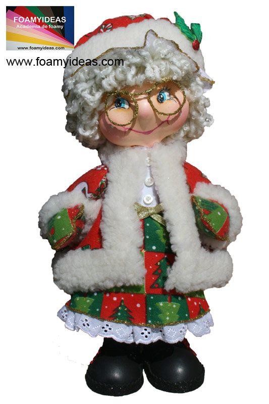 Fofucha Mama Noel o Abuela Noel. Hecha en foamy en 3D.