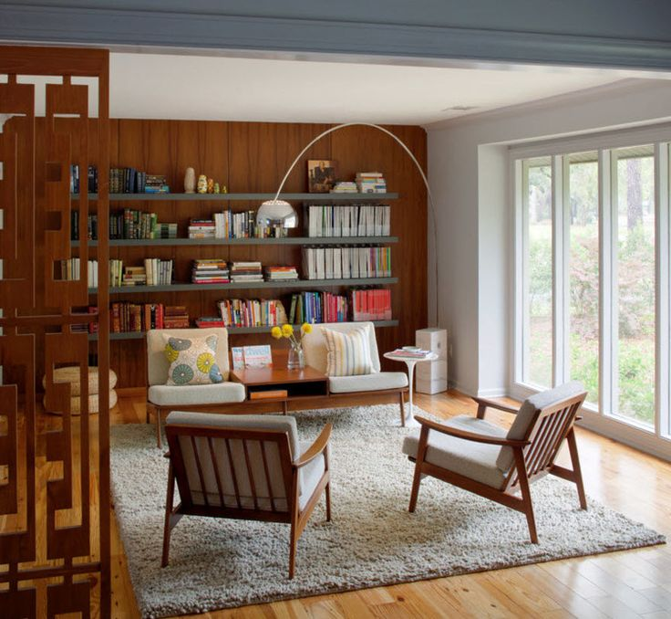 Mid-century design meets kid-friendly functionality in this roomy Savannah bungalow