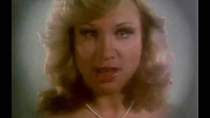 Singer Samantha Sang turns 61 today - she was born 8-5 in 1953. Her big hit came in 1977 with the BeeGees and the song 'Emotion.'