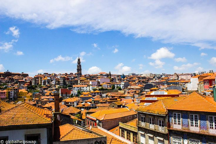 Here is a list of Things to do in Porto in a short space of time. From Port tasting to discovering the hidden side of this wonderful city. Tenha uma boa viagem!