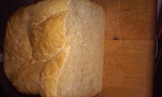 Gluténmentes kenyér (kenyérsütő gépben)
