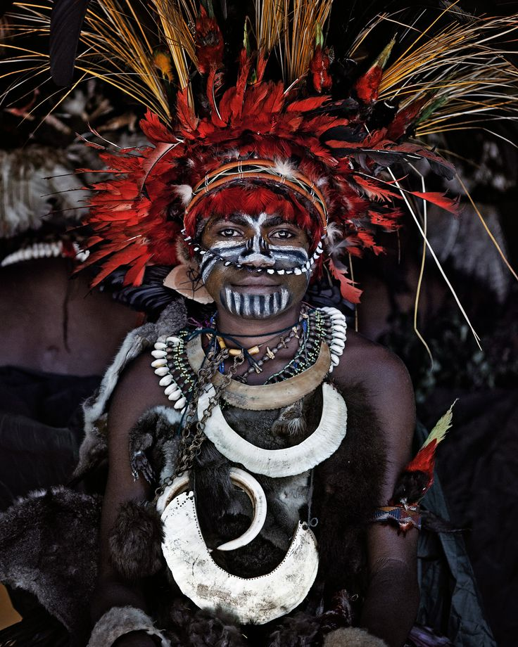 Goroka, Eastern HighlandsPapua New Guinea, 2010. http://www.beforethey.com/artprints/all/345