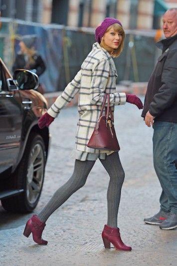 テイラー・スイフトのパープルコーデ♡おしゃれな手袋のレトロコーデ♡スタイル・ファッションの参考に♪