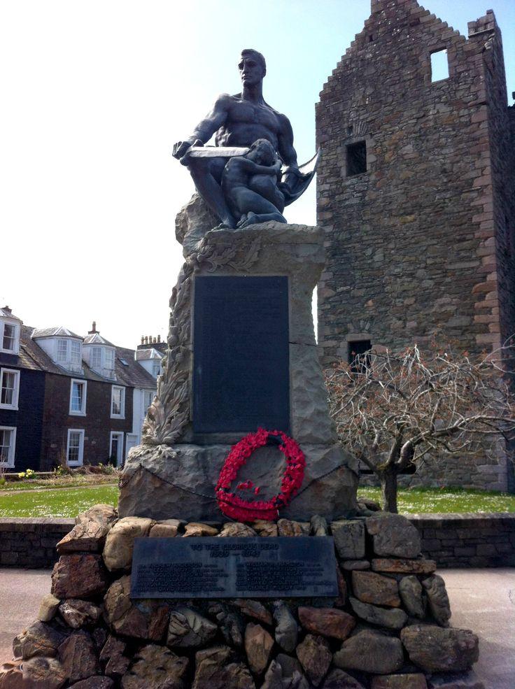 War Memorial close to MacLellan's Castle, Kirkcudbright