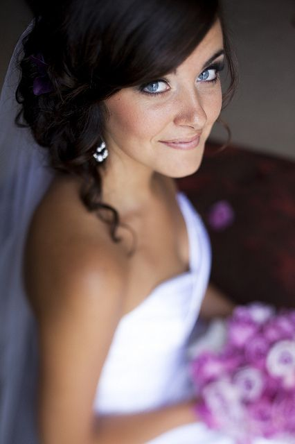 Bride portrait. Shallow focus, turned head, from high.