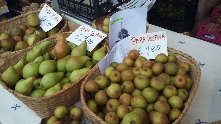 La mitica pera volpina #ciboprossimo mercato #IMOLA