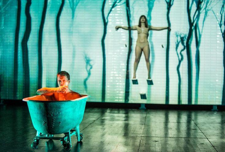 Kabaret warszawski - Warlikowski. Set Design: Małgorzata SzczęŚniak Foto: Magda Hueckel