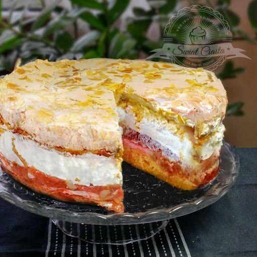 Ciasto z rabarbarem, bezą i bitą śmietaną | Świat Ciasta