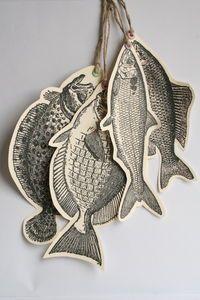 A stringer of paper fish / Poissons d'avril via au Fil rouge
