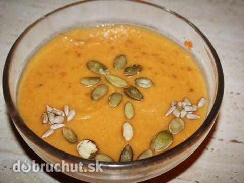 Hustá polievka z červenej šošovice