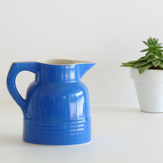 Magnifique petit pichet ancien bleu Klein - Pichet à eau/vin - Shabby chic - Country home decor
