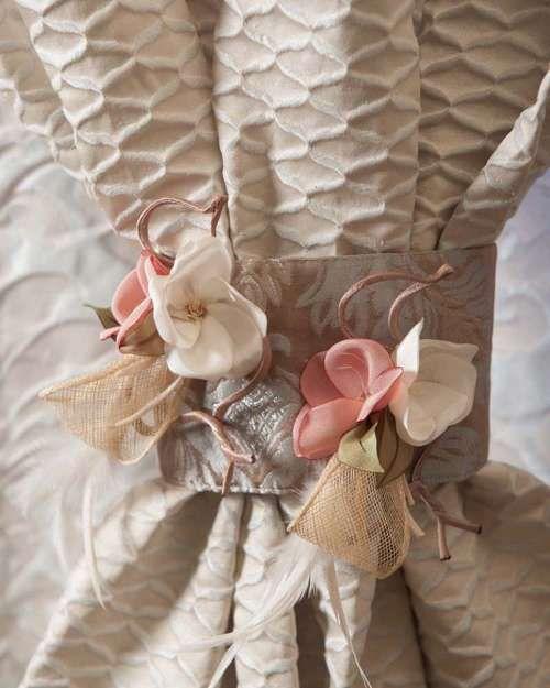 Perdele și draperii la comandă :: Flori decorative pentru perdele si draperii :: Spring :: Accesoriu de prindere floricele cu fundite plasa, crem, roz