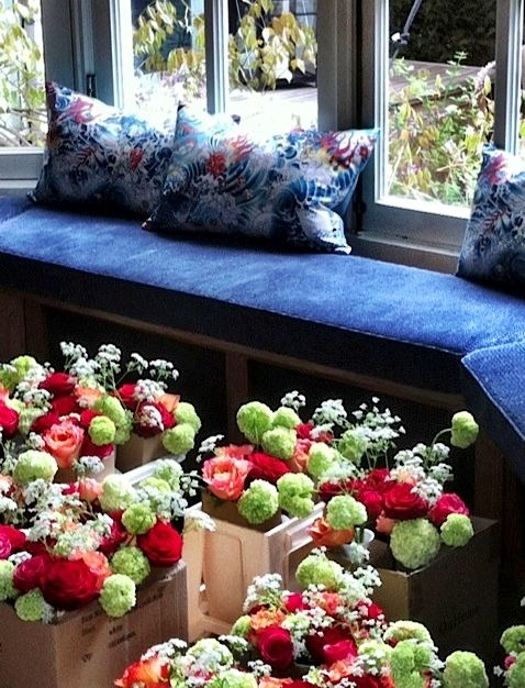 Preparation Festival Wedding: Cushions and flowers. By Studio Raef & Menno Kroon