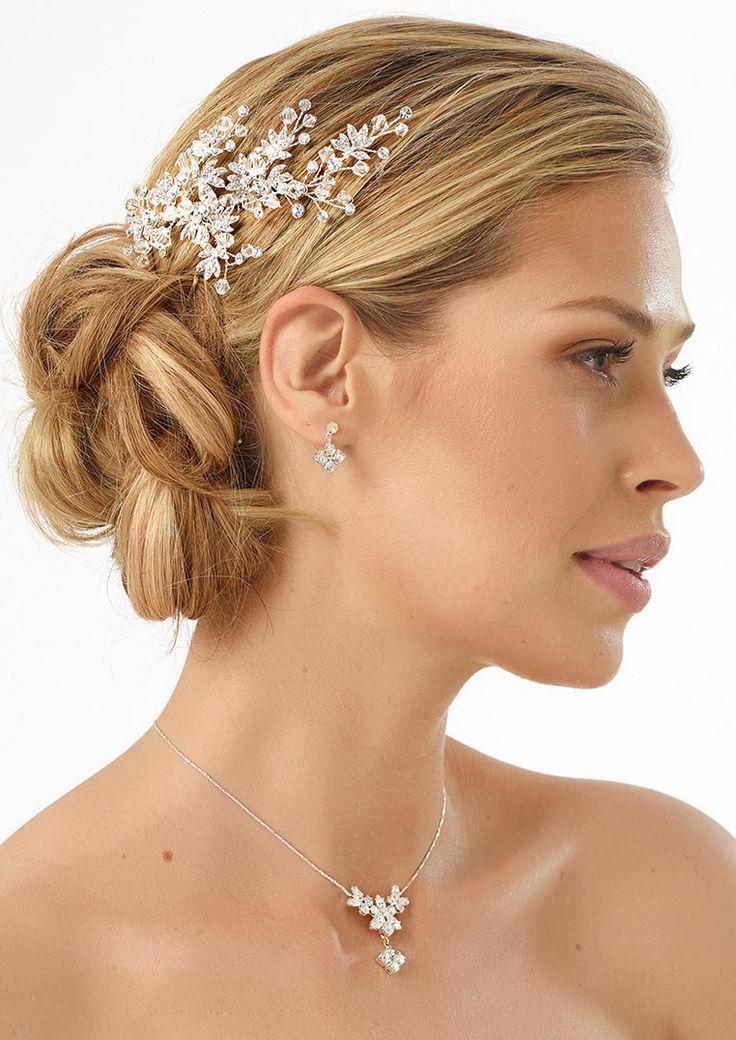 Jewellery 0394 will perfectly complied every winter outfit! #wedding #weddingdress #bridalwear #bridalaccessories #bridalfashion #winterwedding #weddingideas