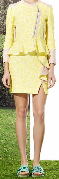 Jazmin Chebar / Verano 2015 - Chaqueta Romance + Pollera Bombita + Sandalia Aggy. All in yellow.