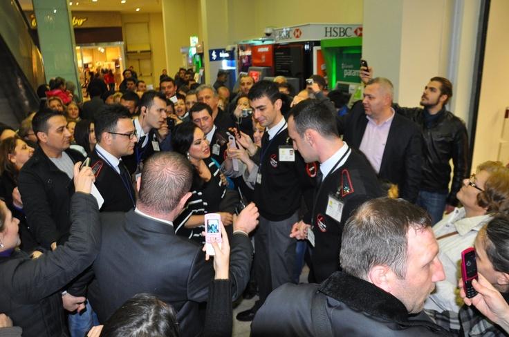 Türk sinemasının sultanı ve unutulmaz oyuncusu Türkan Şoray,hayranlarıyla Tekira AVM'de buluştu...