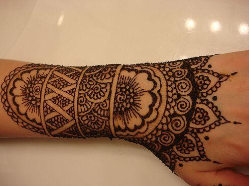 Résultats Google Recherche dimages correspondant à http://lecarredechocolat.files.wordpress.com/2011/03/henna.jpg