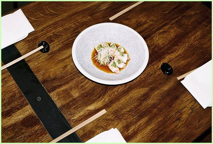 Dining Al Fresco: Scott Hallsworth | NOWNESS