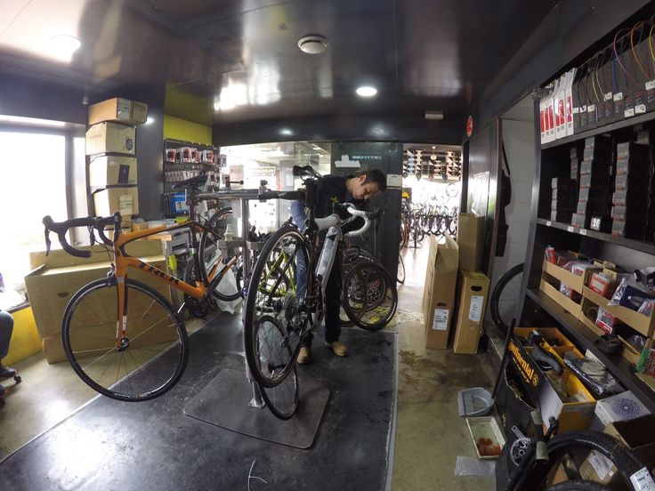 #taller #mecánica #bicicletas #workshop #wrenchers #bicycles Montaje de bicicleta nueva.