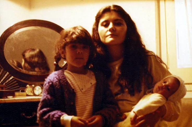 Con Tanit y Maria. 1984