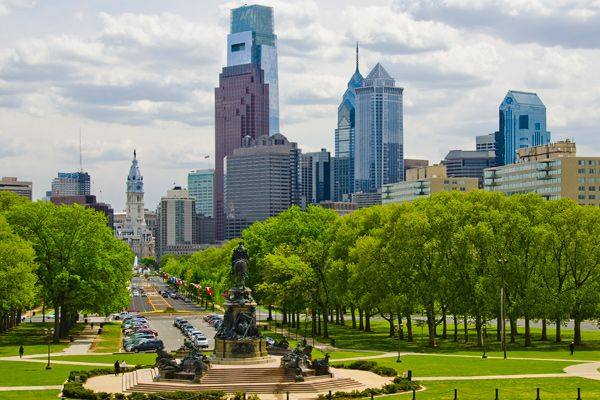 A view of the Benjamin Franklin Parkway from the Philadelphia Museum of Art