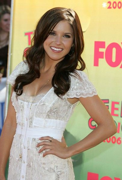 love the dress, the hair, etc.... Sophia Bush is my icon