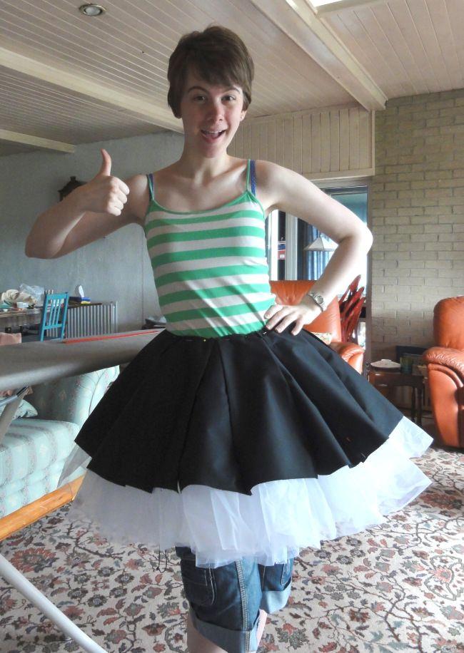 Making a flared, box pleated skirt