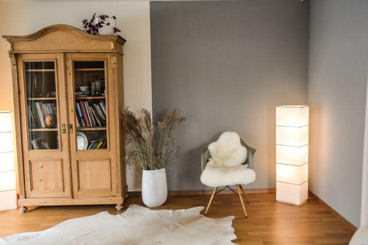 Elegante Kombination , Holz und  Graue Farbtöne