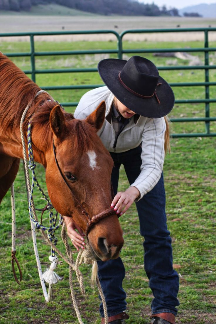 """Buckaroo Barbie: A Short Guide to Hackamore Fit """"""""Disclaimer: In posting this in no way do I believe that I know it all or am trying to say that. Experience is a wonderful teacher and you will find what works best for you and your horse as you go along. However, I thought someone using a hackamore for the first time might appreciate this video!"""""""