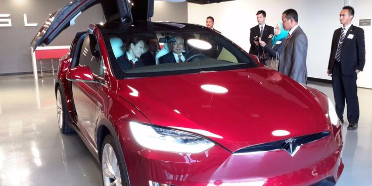 Malaysian Prime Minister Datuk Seri Najib Tun Razak visited Tesla's factory last week during an official trip in California and he had the chance to test drive the Model X, which he reportedly foun...