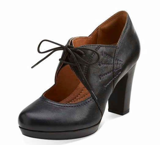 17 Cute Heels For Women Who Hate Wearing High Heels - Clarks' Flyrt Daily
