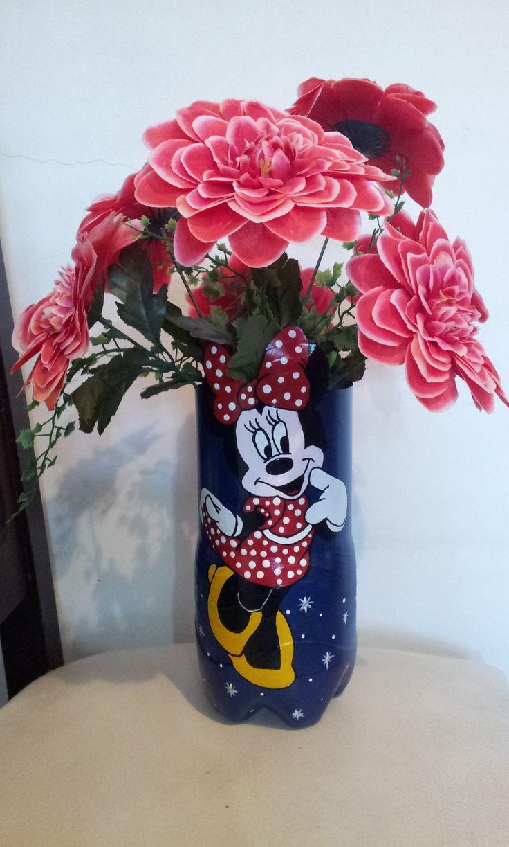 Minnie con flores