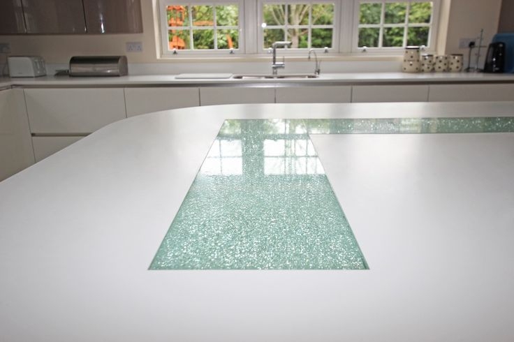Cracked glass kitchen feature inset into kitchen worktop