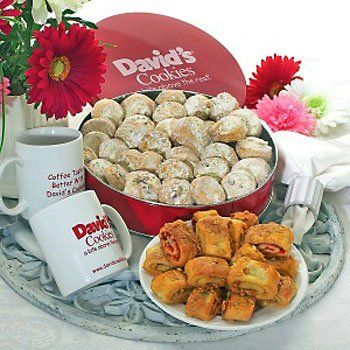 David's Cookies Perfect Coffee Break for Two - http://mygourmetgifts.com/davids-cookies-perfect-coffee-break-for-two/