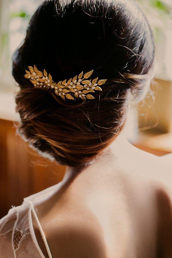 London Gold Art Deco wedding inspiration shoot Wedding Planning, Wedding Styling London Fashion forward, elegant bride Kelly Spence bridal accessories The accessories