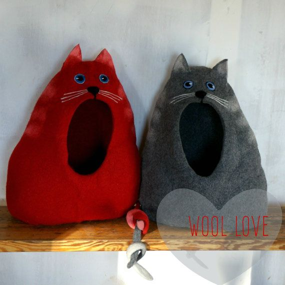 "Cat bed, cat cave, cat house, felted cat bed, wool cat house ""Cat with open eyes""/Ready to ship!"