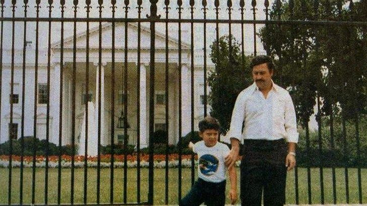 PABLO ESCOBAR VISITS THE WHITE HOUSE WITH HIS SON