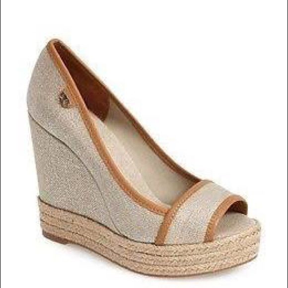 Tory Burch MAJORCA Natural / Gold Metallic Wedge Goes with any outfit - worn once Tory Burch Shoes