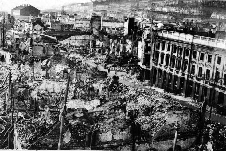 16 haunting pictures of the devastating destruction suffered by Swansea during the Blitz