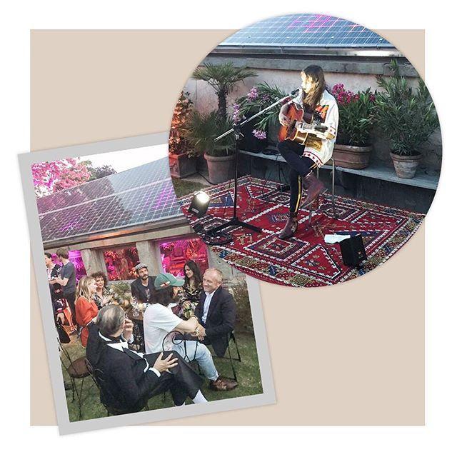 A festa pós-desfile da cruise collection 2018 da @gucci segue animada em um jardim fiorentino particular. Estão por aqui curtindo o pocket show de Lucio Corsi novo talento da música italiana uma turma que inclui François-Henri Pinault @salmahayek e @kirstendunst. (Via @barbaramigliori) #voguenacruise #guccicruise18 #gucci #guccicruise  via VOGUE BRASIL MAGAZINE OFFICIAL INSTAGRAM - Fashion Campaigns  Haute Couture  Advertising  Editorial Photography  Magazine Cover Designs  Supermodels…