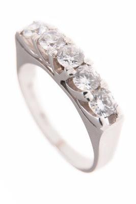 jewellery - Engagement Rings - Single Stone & Eternity Rings