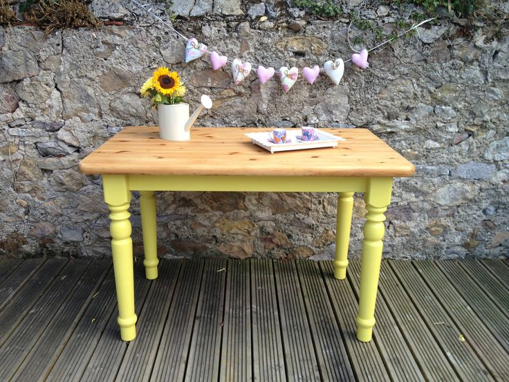 Shabby chic annie sloan english yellow scullery style for Yellow painted table