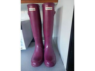 Ladies Hunter Wellies - Size 4 - Dark Pinky Purple Colour Brough Picture 1
