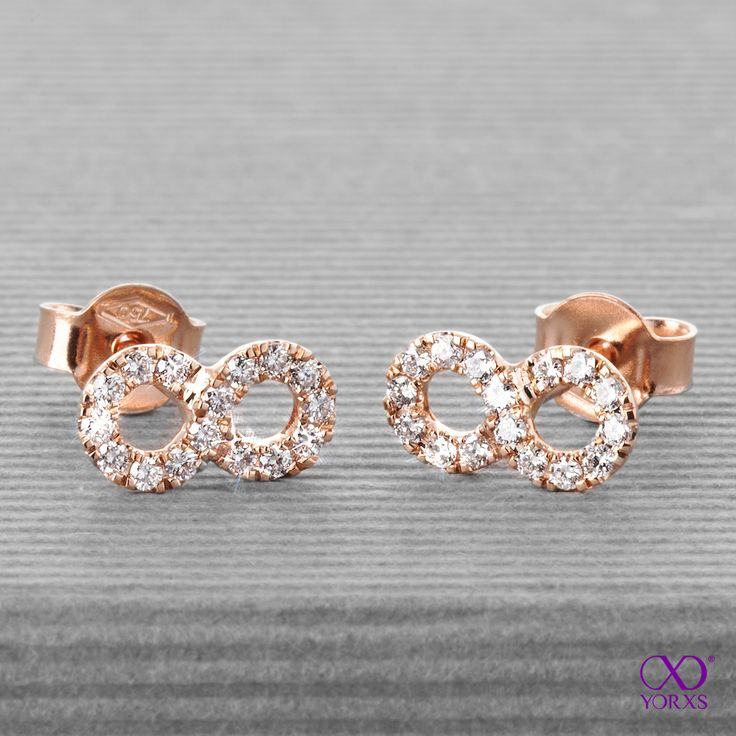 """""""Onto"""" earrings with lots of sparkles. Let it be endless. #endless #infinity #onto #rosegold #rotgold #unendlichkeit #diamanten #ohrstecker #yorxs"""