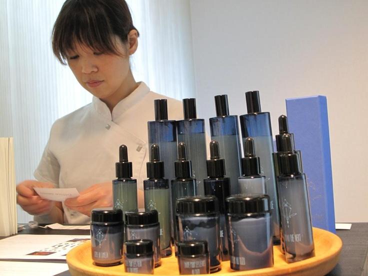 1st edition – May 14th to 17th, 2009  Palais de Tokyo - Paris / Boutique : Mon Soin Du Visage