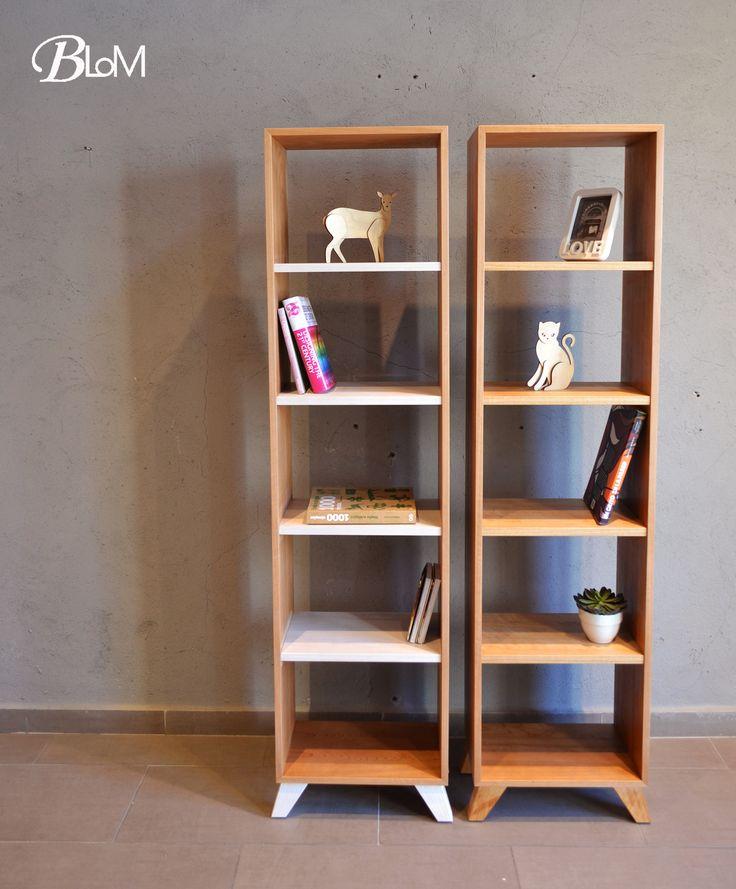 LIBRERO BELLA REPISA RECTA Úsalo donde quieras y con lo que quieras! Libros, películas, música.  Fabricado en enchape de coigue y patas de madera sólida de coigue. Dimensiones 160 x 45 x 25 cm. De profundidad