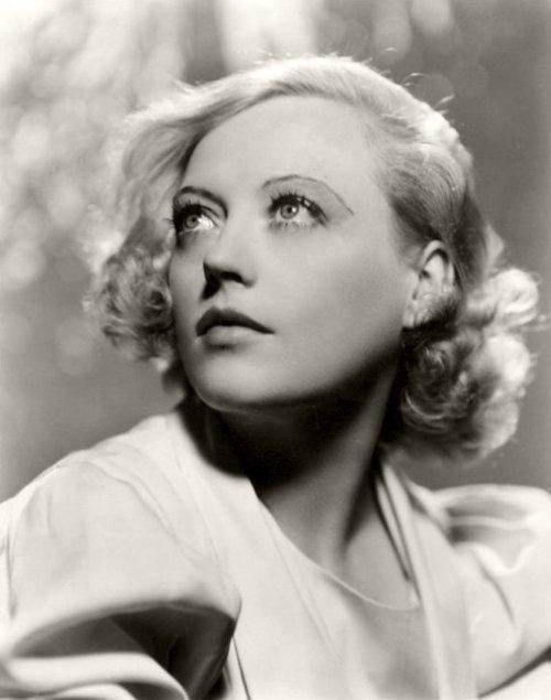 Marion Davies.... Beloved by William Randolph Hearst, who inspired Orson Wells' Citizen Kane