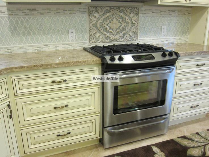 Kitchen backsplash with tile medallion over stove car interior design - Kitchen backsplash medallion ...