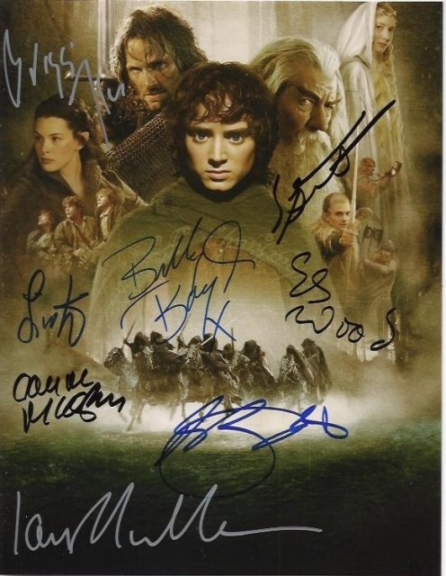 The Signatures of ; Viggo Mortensen, Ian McKellen, Orlando Bloom, Elijah Wood, Dominic Monaghan, Liv Tyler, Billy Boyd and Sean Austin  :O I....just.....died.....OH MY GOSH!!!!